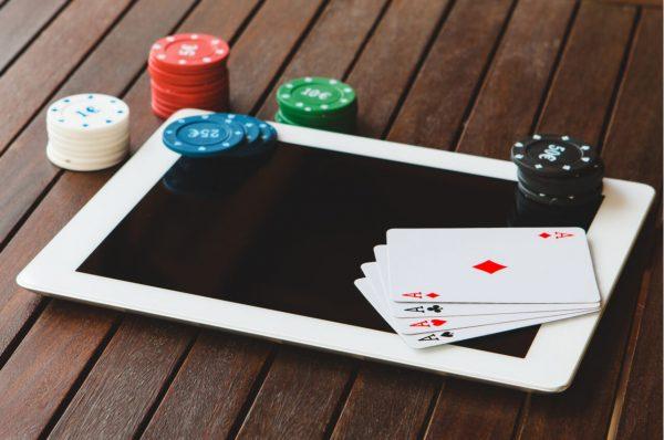 Cara Install Aplikasi Poker Android ke Dalam Smartphone